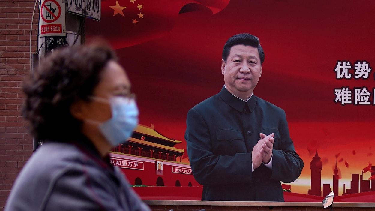 Non, la Chine n'a pas téléguidé la pandémie pour le bien de son ...