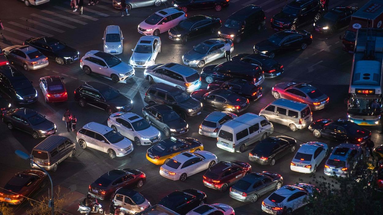 Congestion automobile au centre-ville de Pékin.