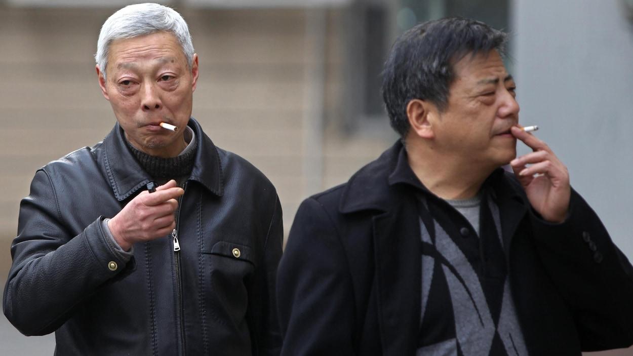 Deux fumeurs chinois