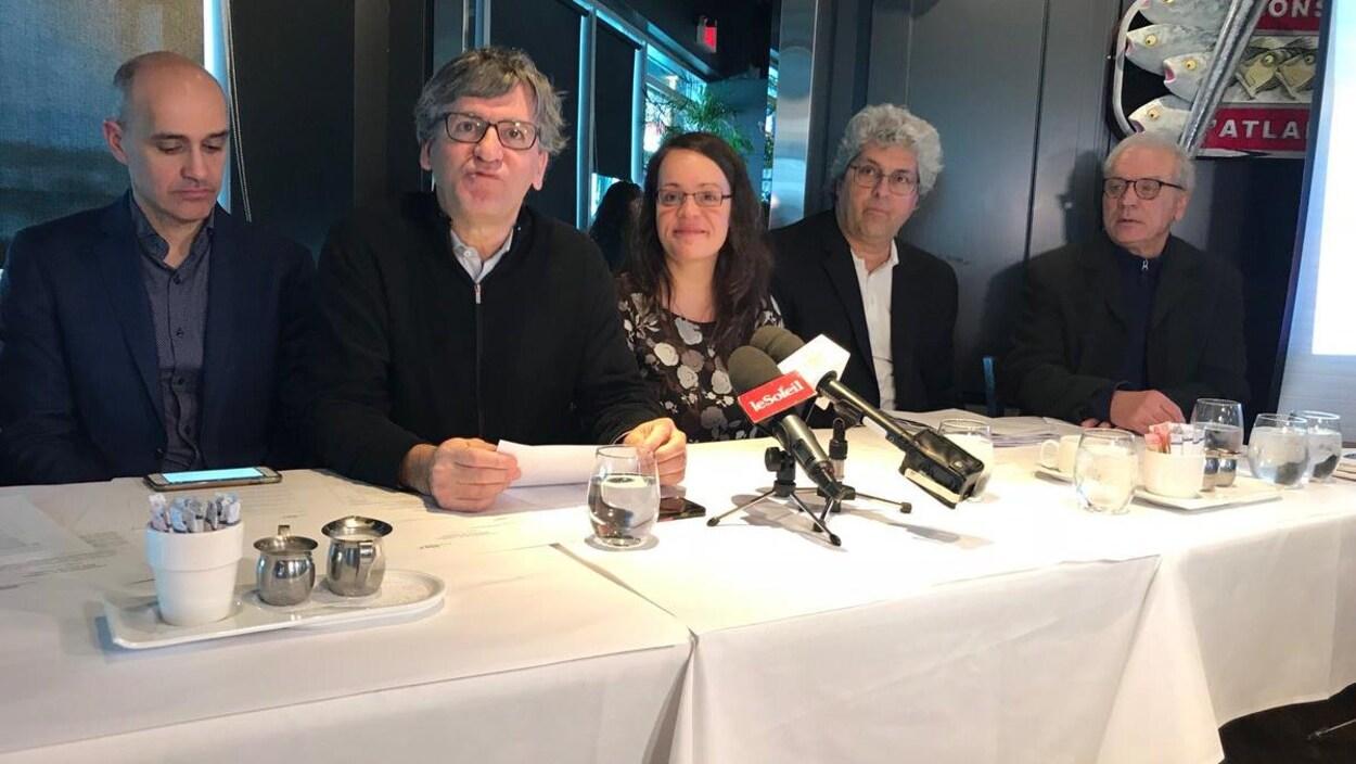 Sidney Ribaux (Équiterre), Christian Simard (Nature Québec), Véronique Lalande (Initiative citoyenne de vigilance du Port de Québec), Daniel Guay (Accès Saint-Laurent Beauport), Pierre-Paul Sénéchal (GIRAM)