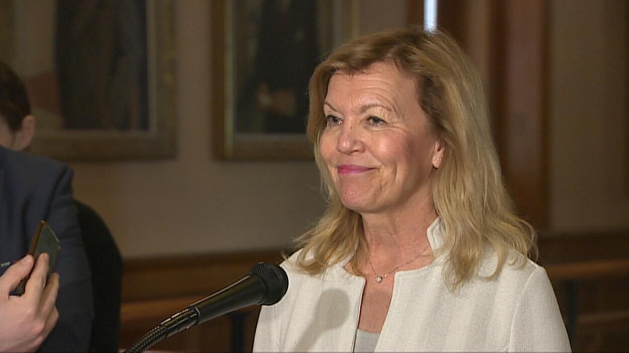 La ministre de la Santé Christine Elliott