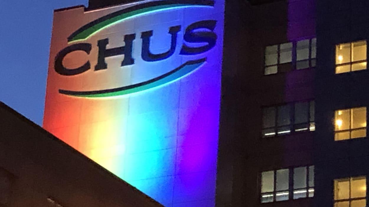 La façade du CHUS-Fleurimont.