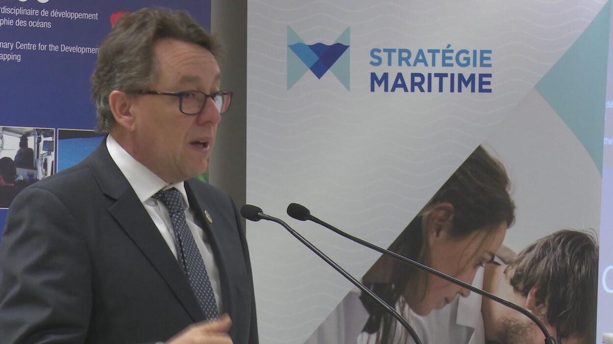 Jean D'Amour, ministre délégué à la Stratégie maritime