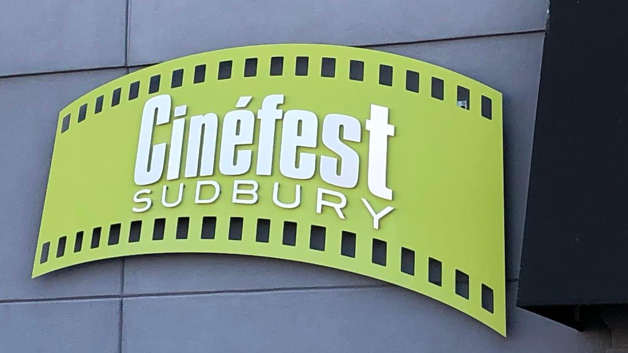 Pancarte des locaux de Cinéfest Sudbury