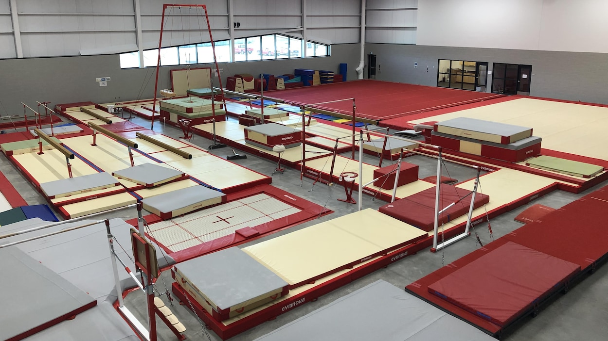 Des installations de gymnastique vues d'en haut.