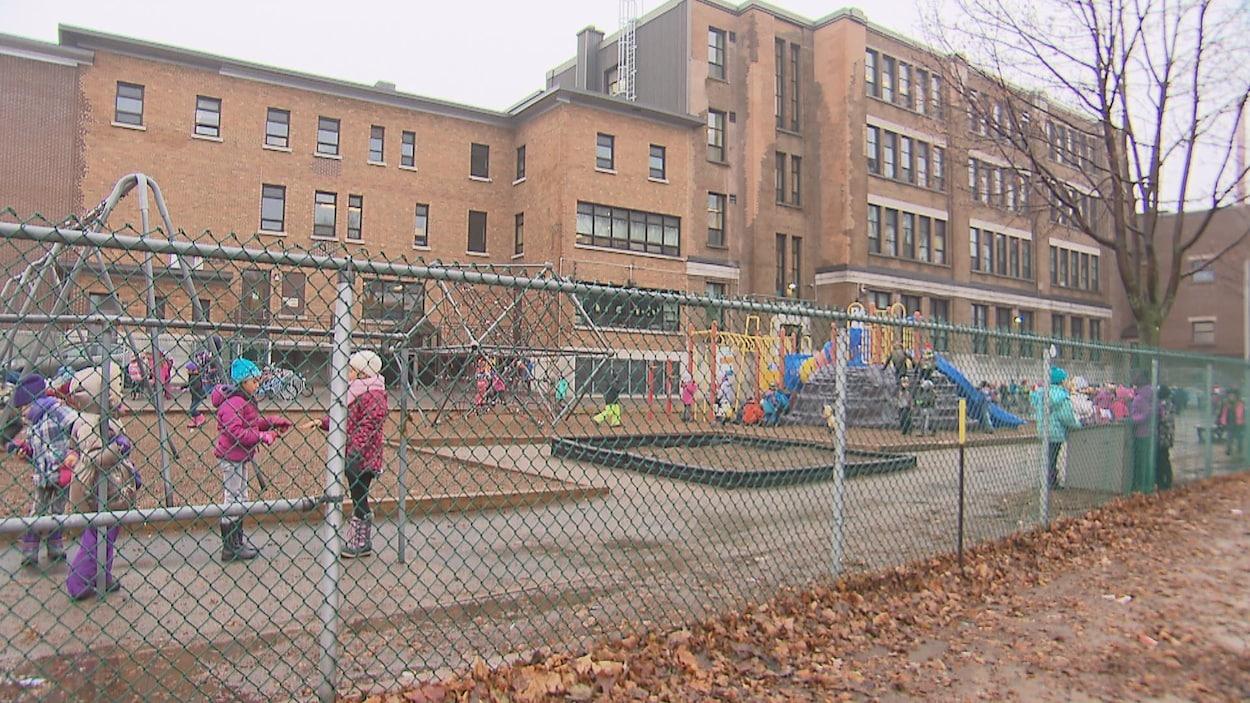 670 millions en baisse de taxes scolaires au Québec