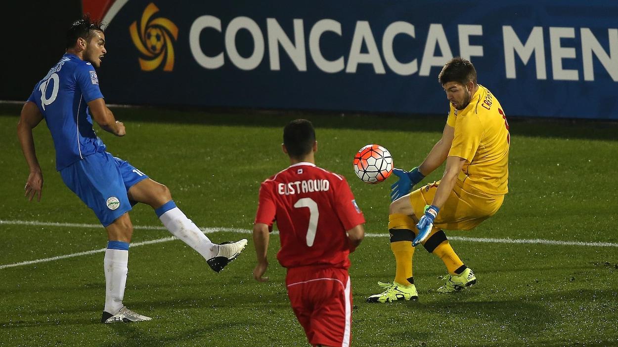 Le Canada contre Cuba dans une rencontre de la CONCACAF en 2015