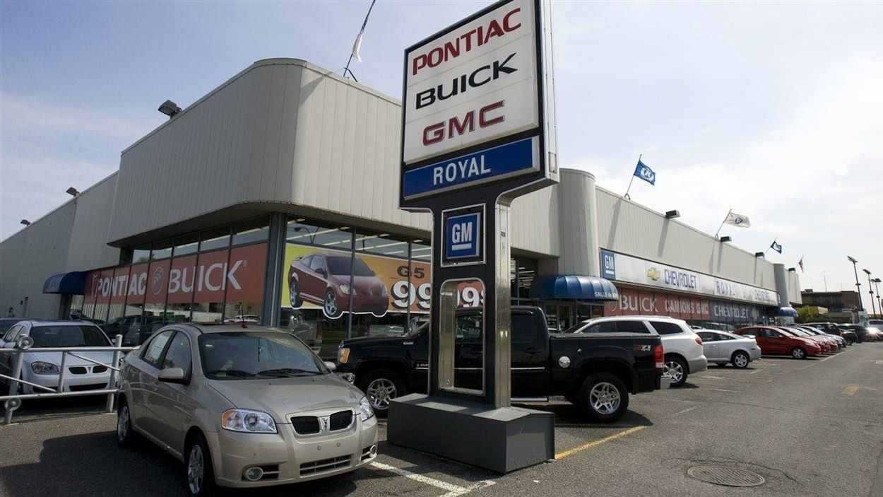 Un concessionnaire d'automobiles