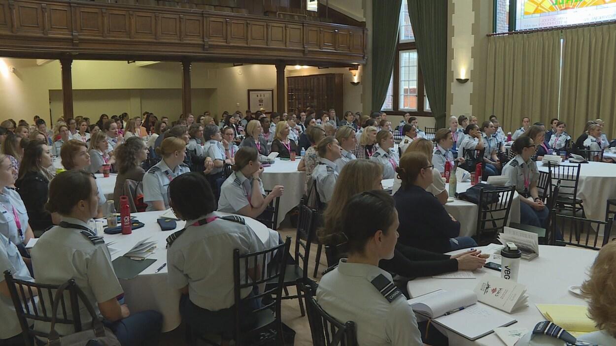 La 14e conférence sur les femmes en aviation se déroule à Calgary.