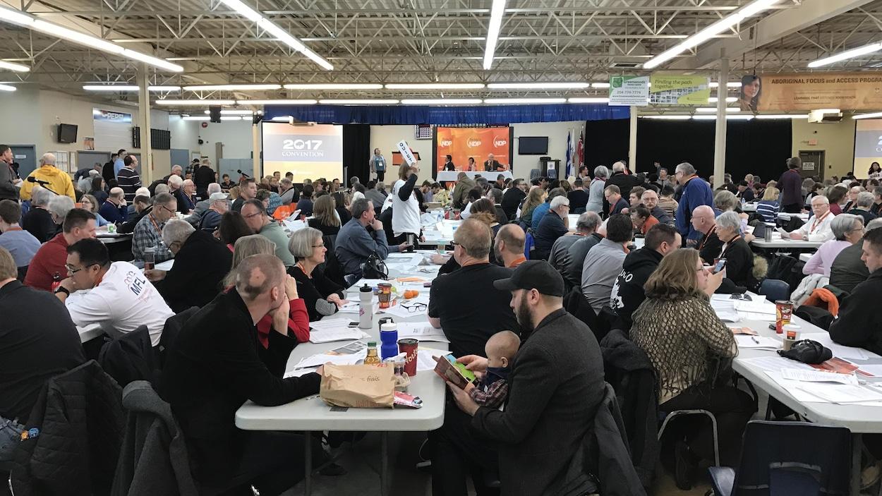 Des délégués sont réunis pour le congrès du Nouveau Parti démocratique du Manitoba à Winnipeg.