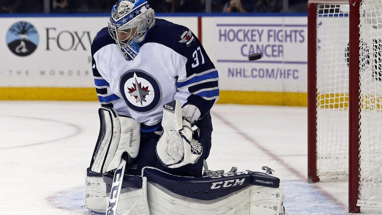 Le gardien des Jets de Winnipeg, Connor Hellebuyck