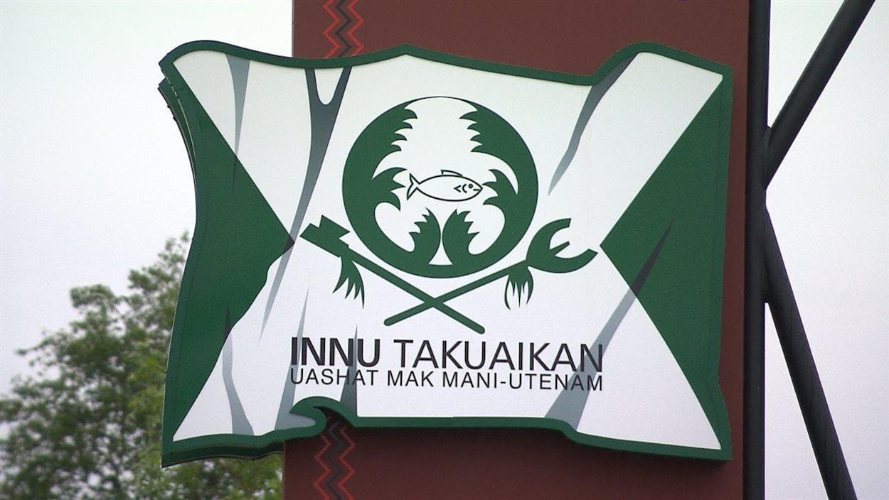 Affiche du conseil de bande de Uashat-mak Mani-Utenam.