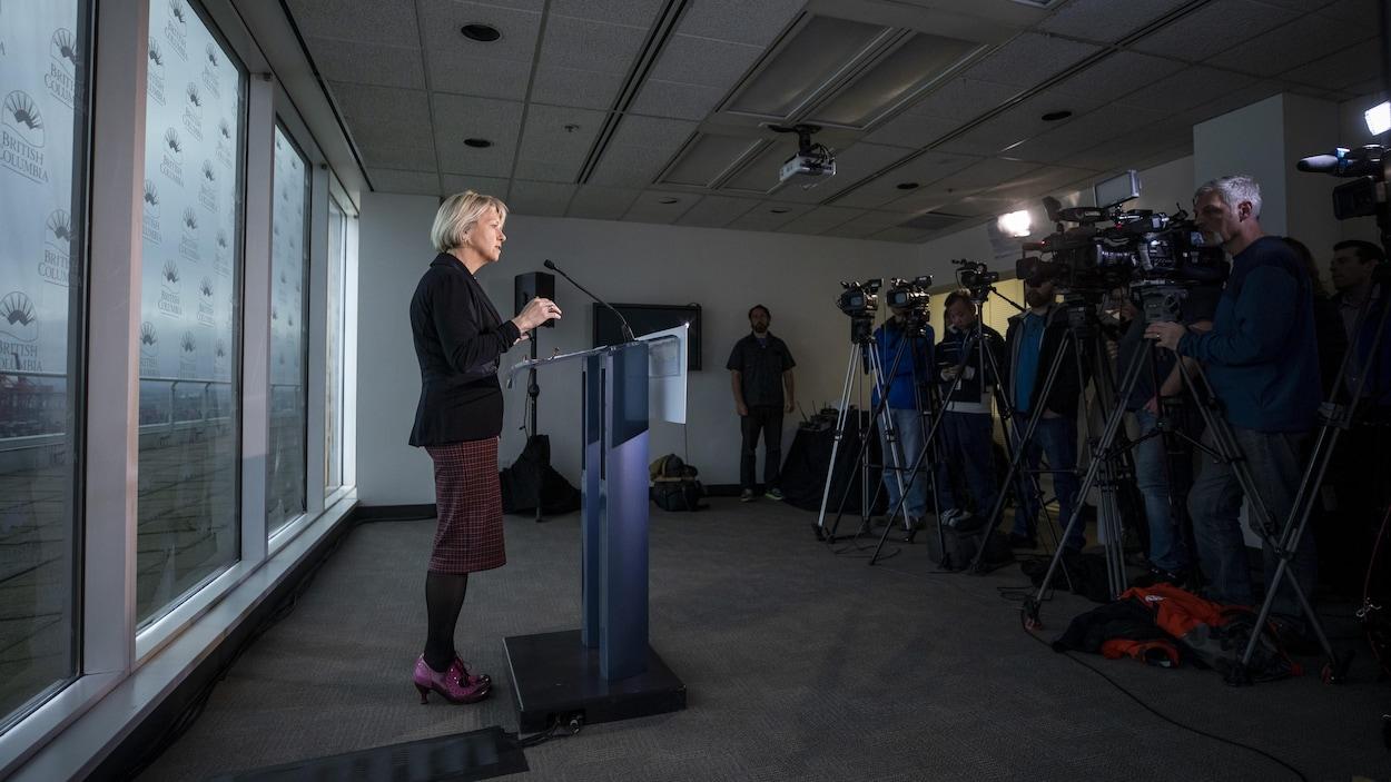 La médecin hygiéniste en chef de la Colombie-Britannique, Bonnie Henry, en conférence de presse à Vancouver.