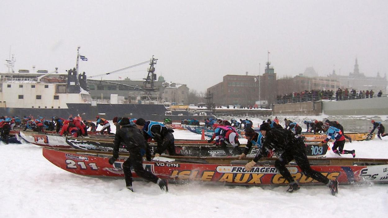 Course en canot à glace