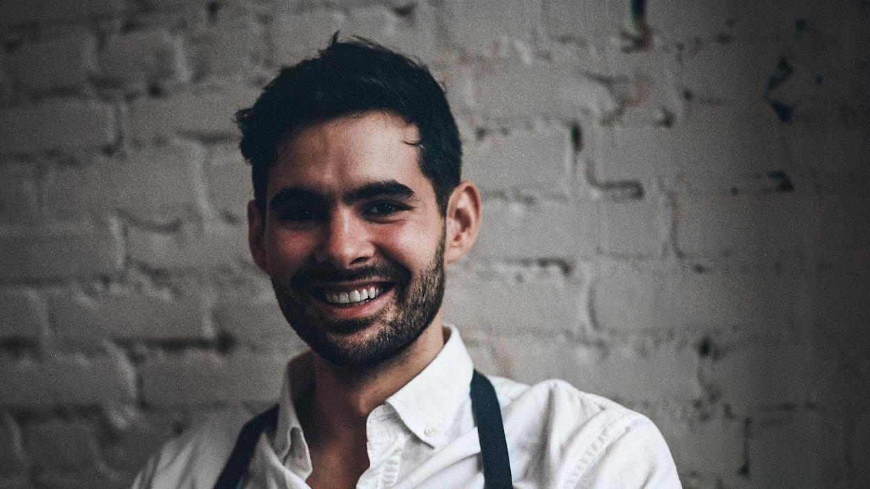 Francis Blais remporte la 8e saison de Top Chef Canada.