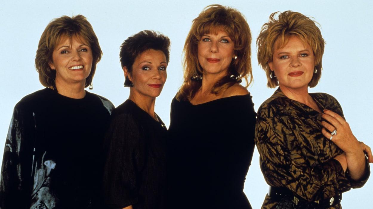 Les comédiennes Louise Rémy, Andrée Boucher, Michelle Rossignol et Luce Guilbeault côte à côte.