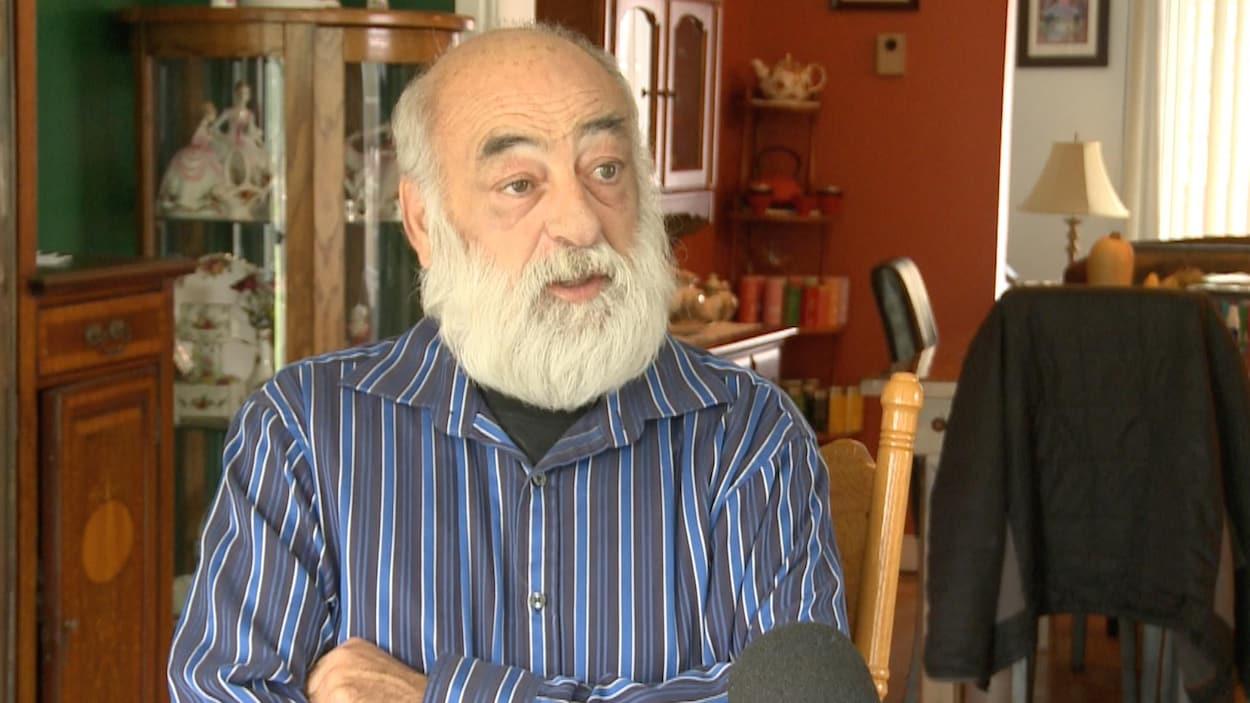 Daniel Mayer, ex-maire de Lachute pendant 22 ans et actuel candidat à la mairie, réfute toutes les allégations du maire sortant Carl Péloquin.