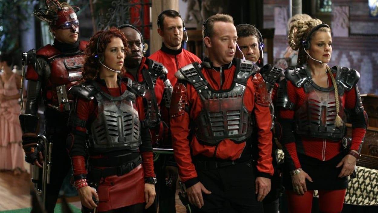 Les personnages principaux du film « Dans une galaxie près de chez vous 2 » sont réunis dans leur vaisseau spatial