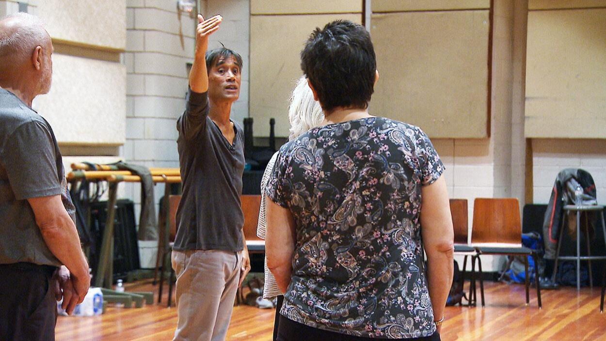 Le chorégraphe français d'origine vietnamienne Thierry Thieû Niang fera danser des personnes du troisième âge au Québec et à Ottawa ce printemps.