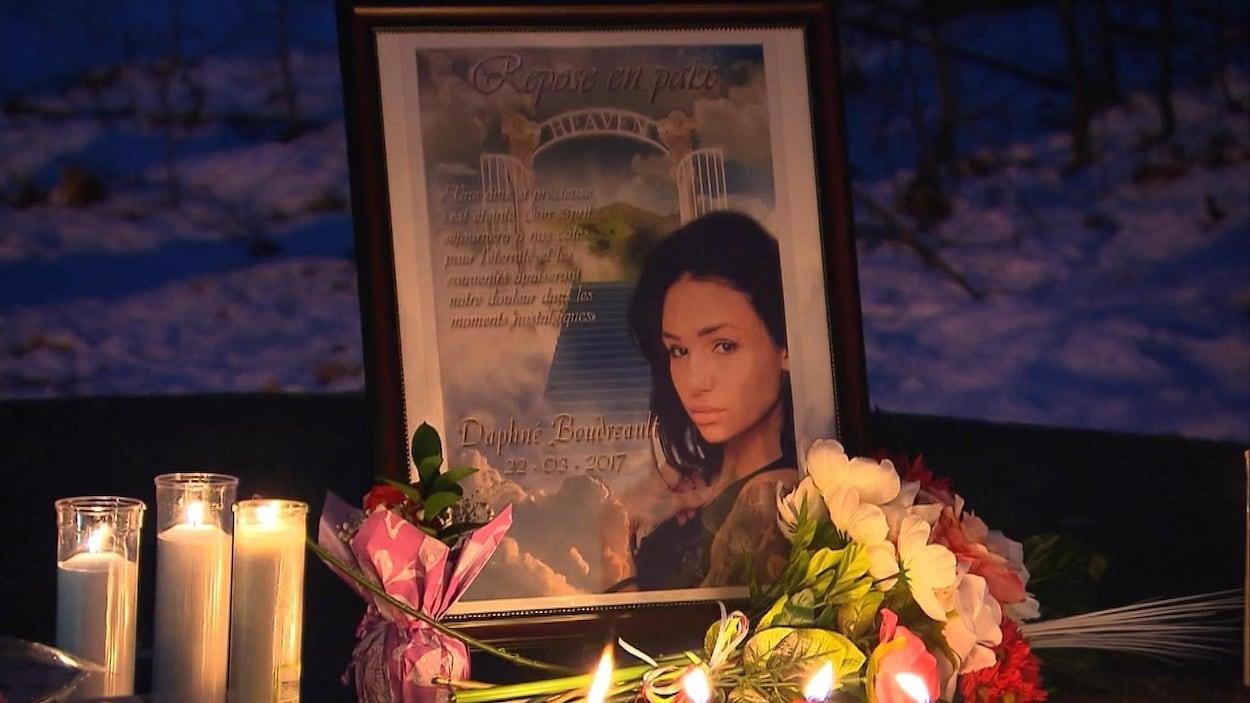 Des amis de Daphné Boudreault lui ont rendu hommage le 1er avril au soir.