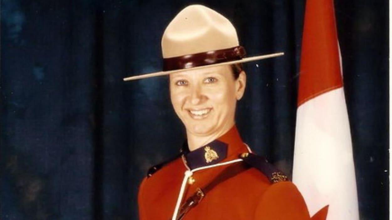 La gendarme Darlene Goguen