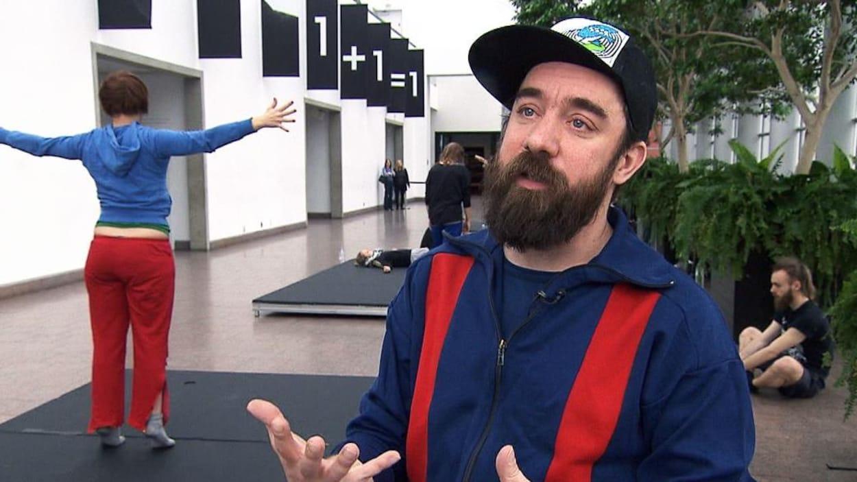 Le chorégraphe et danseur Dave St-Pierre