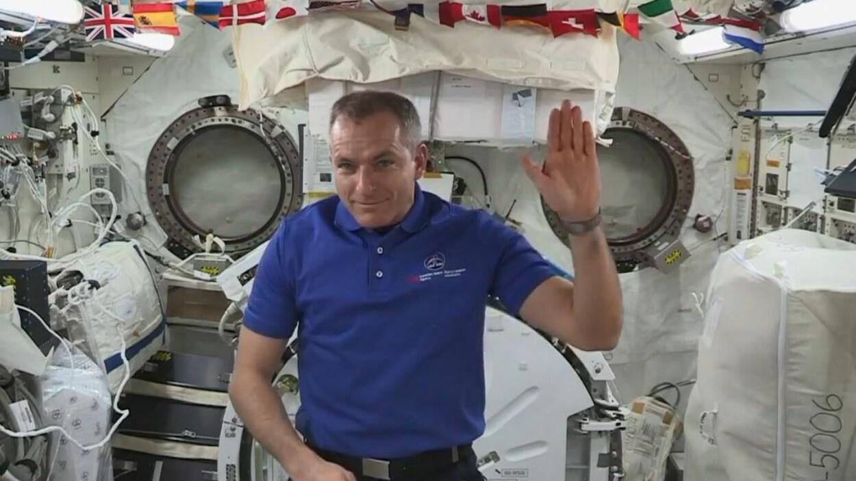 L'astronaute David Saint-Jacques dans la SSI.