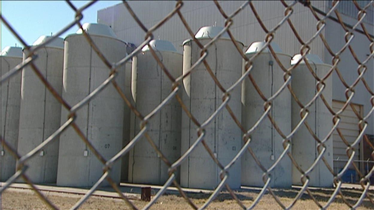 Depuis les années 1960, Ontario Power Generation entrepose les déchets nucléaires dans une dizaine de bâtiments.