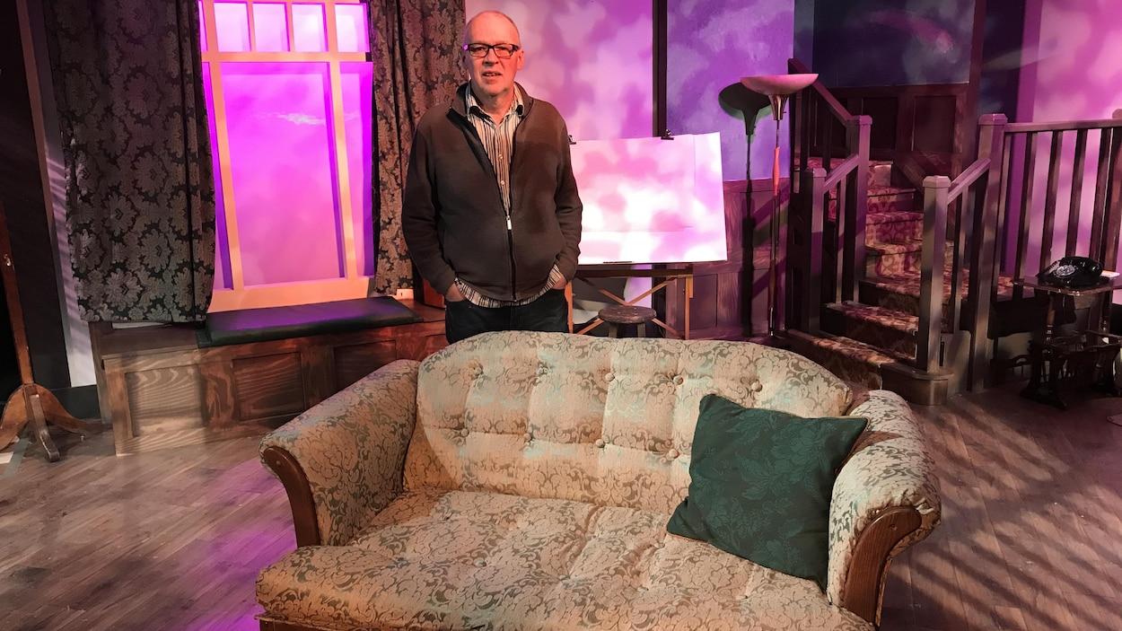 Denis Rouleau sur la scène du Studio 914.