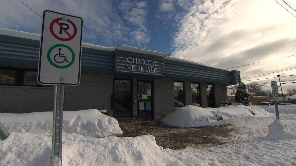 Clinique médicale à Deux-Montagnes.