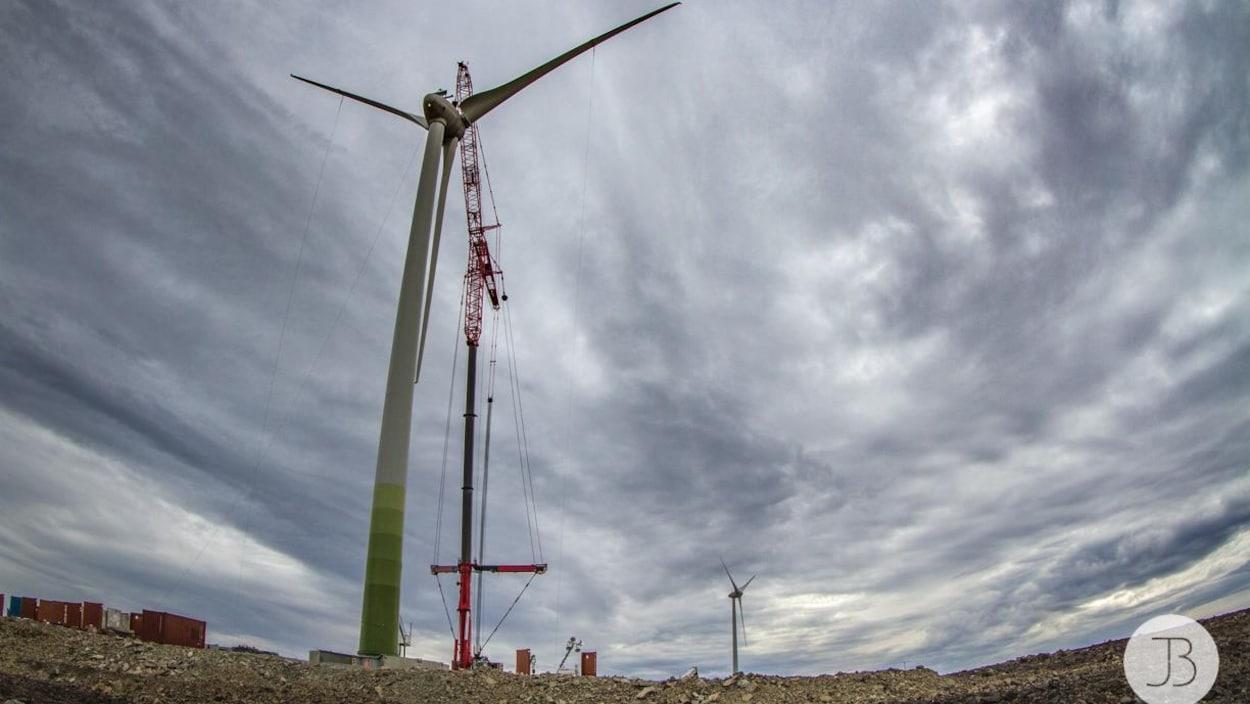 Une deuxième éolienne a fait son apparition dans le paysage de la mine Raglan, au Nunavik.