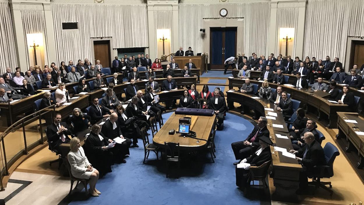 Les députés de l'Assemblée législative du Manitoba sont réunis pour le discours du Trône.