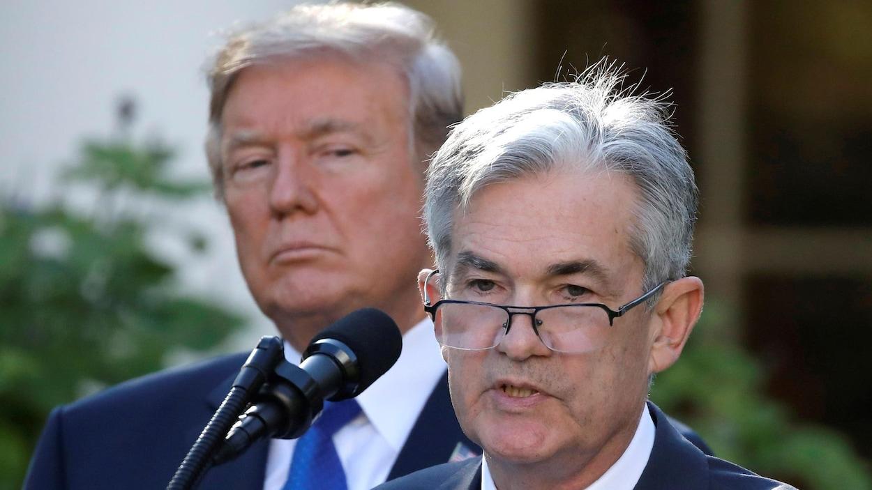 Infos Reuters: Wall Street monte un peu, Trump pèse sur le dollar