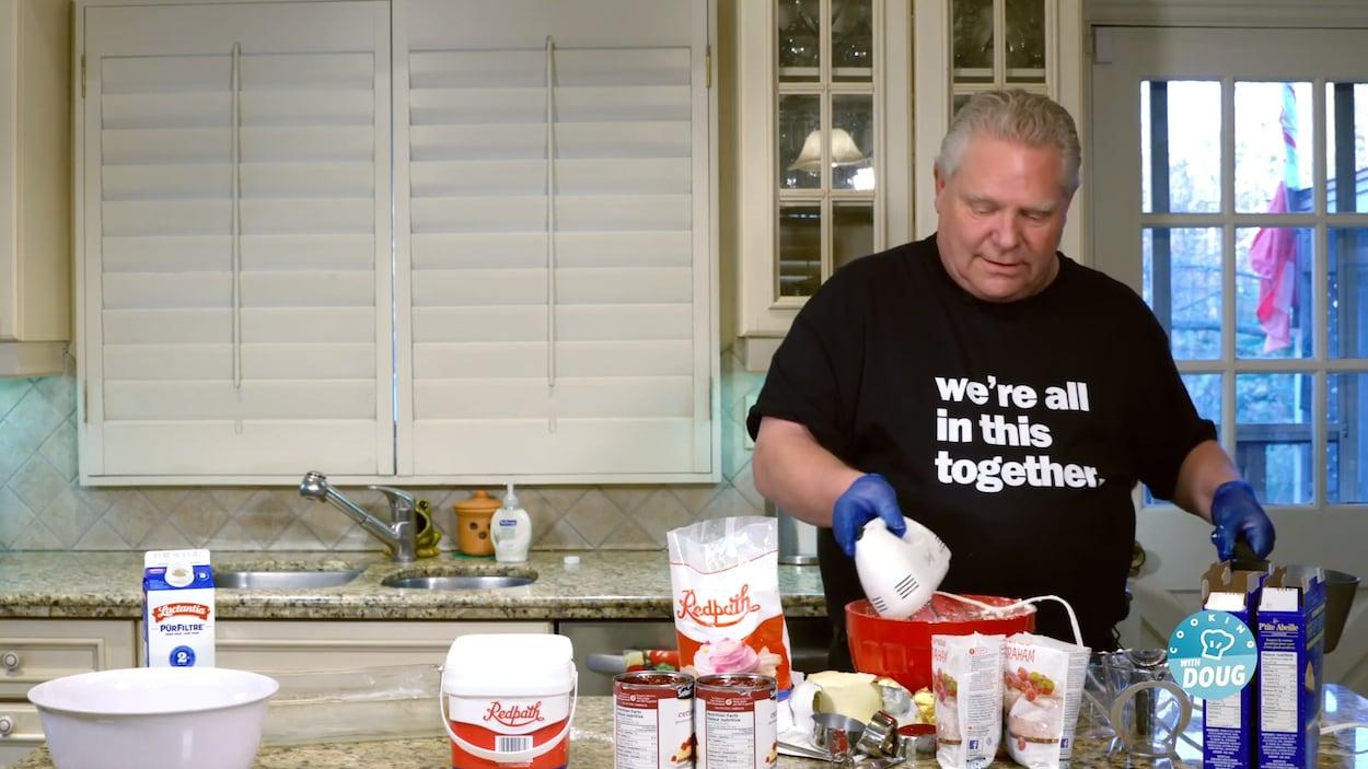 Doug Ford dans sa cuisine.