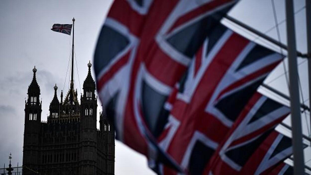 Le drapeau de l'Union Jack accroché sur la place du Parlement, le 1er février 2020 à Londres.