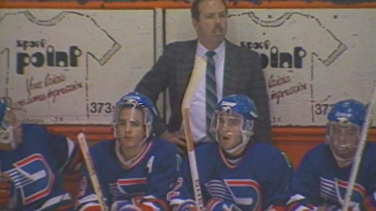 Des joueurs des Draveurs de Trois-Rivières lors d'un match en 1992.