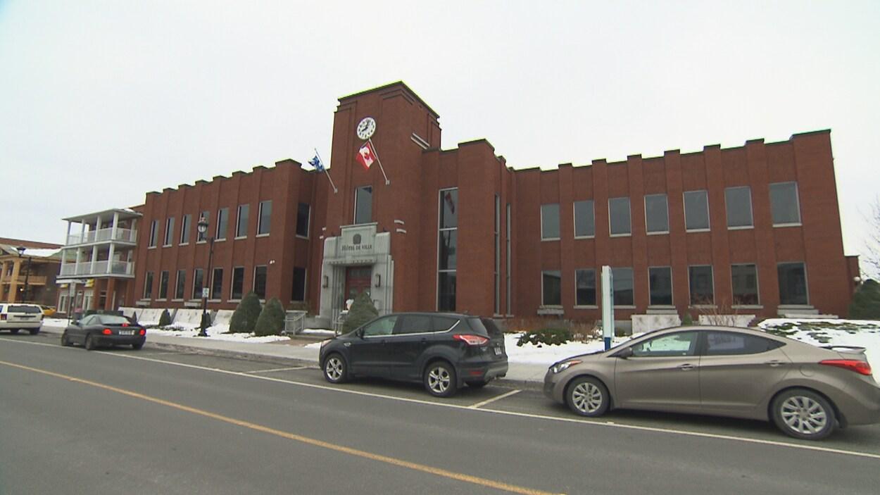 L'hôtel de ville de Drummondville.