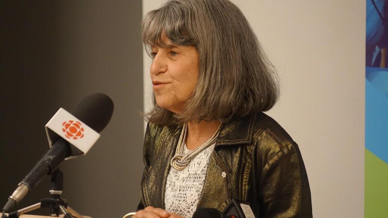 Dyane Adam, présidente du Conseil de gouvernance de l'Université de l'Ontario français, lors de l'annonce du premier programme qui sera offert par son institution.