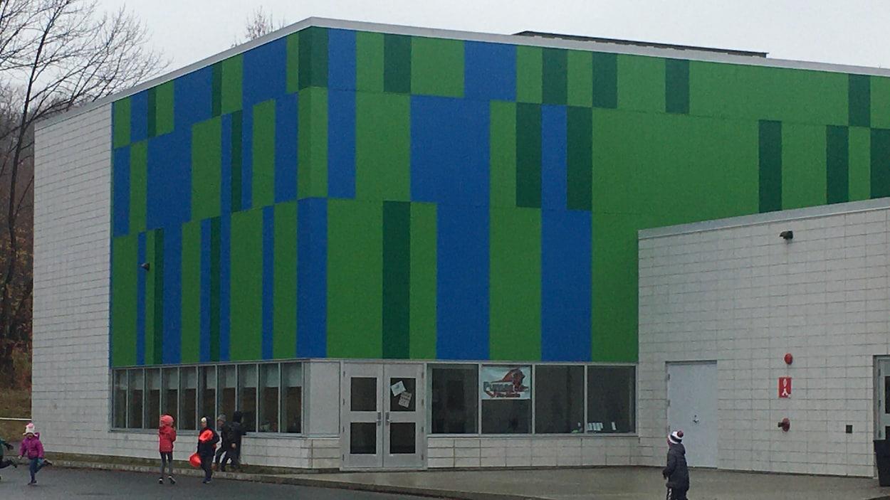 Vue extérieure de l'agrandissement de l'École Sainte-Marie