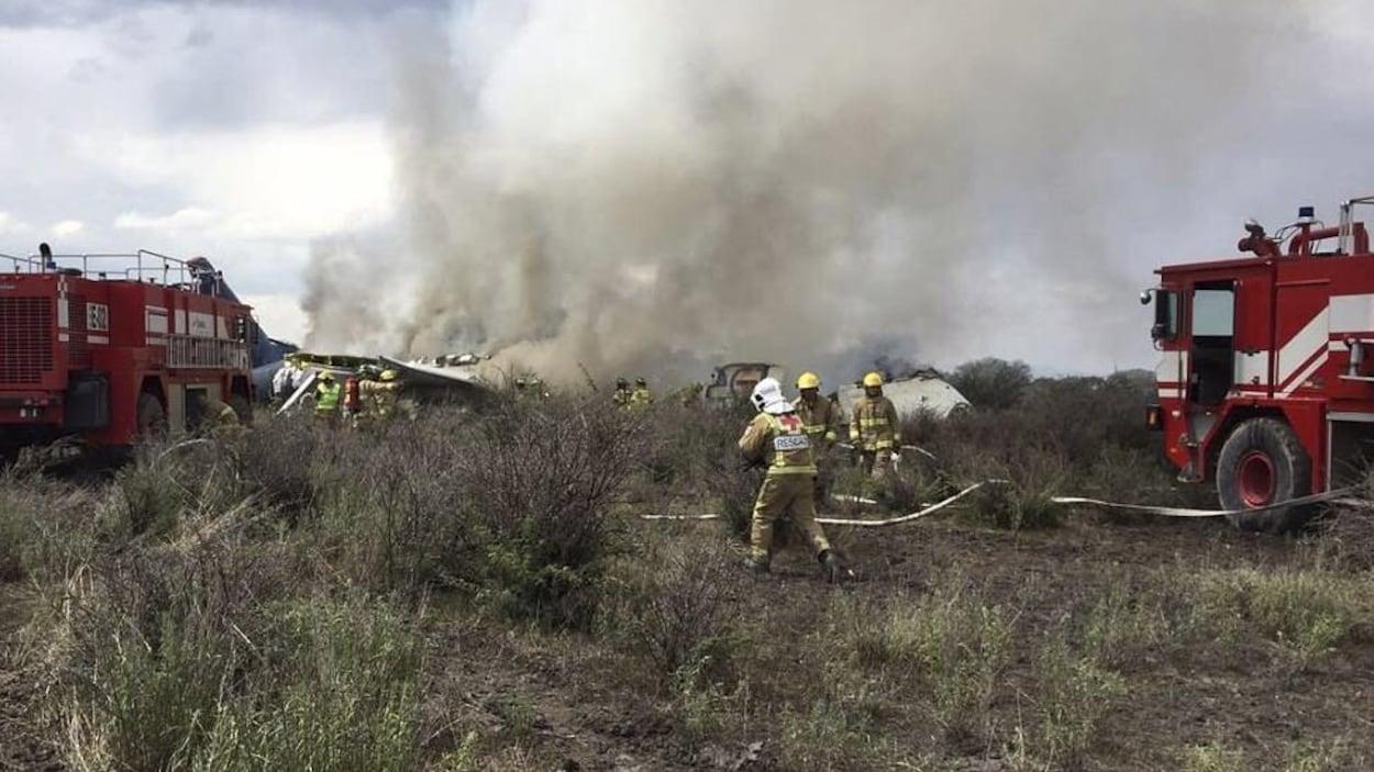 Un avion de ligne s'écrase au décollage — Mexique