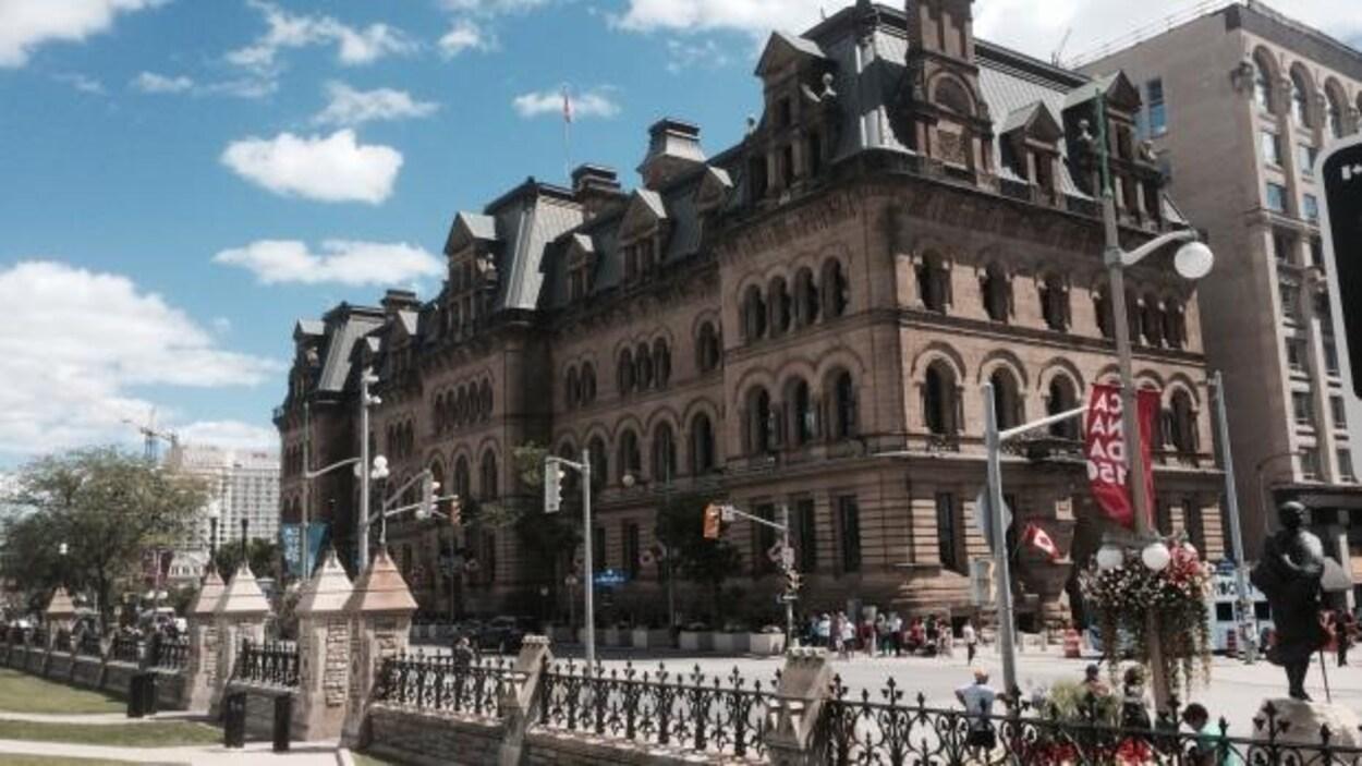L'Édifice Langevin, situé 80, rue Wellington, dans le centre-ville d'Ottawa.
