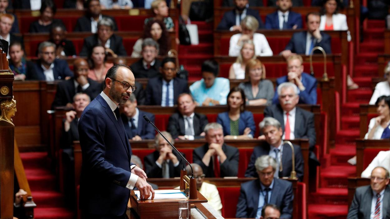 Le premier ministre Édouard Philippe s'adresse aux parlementaires français.