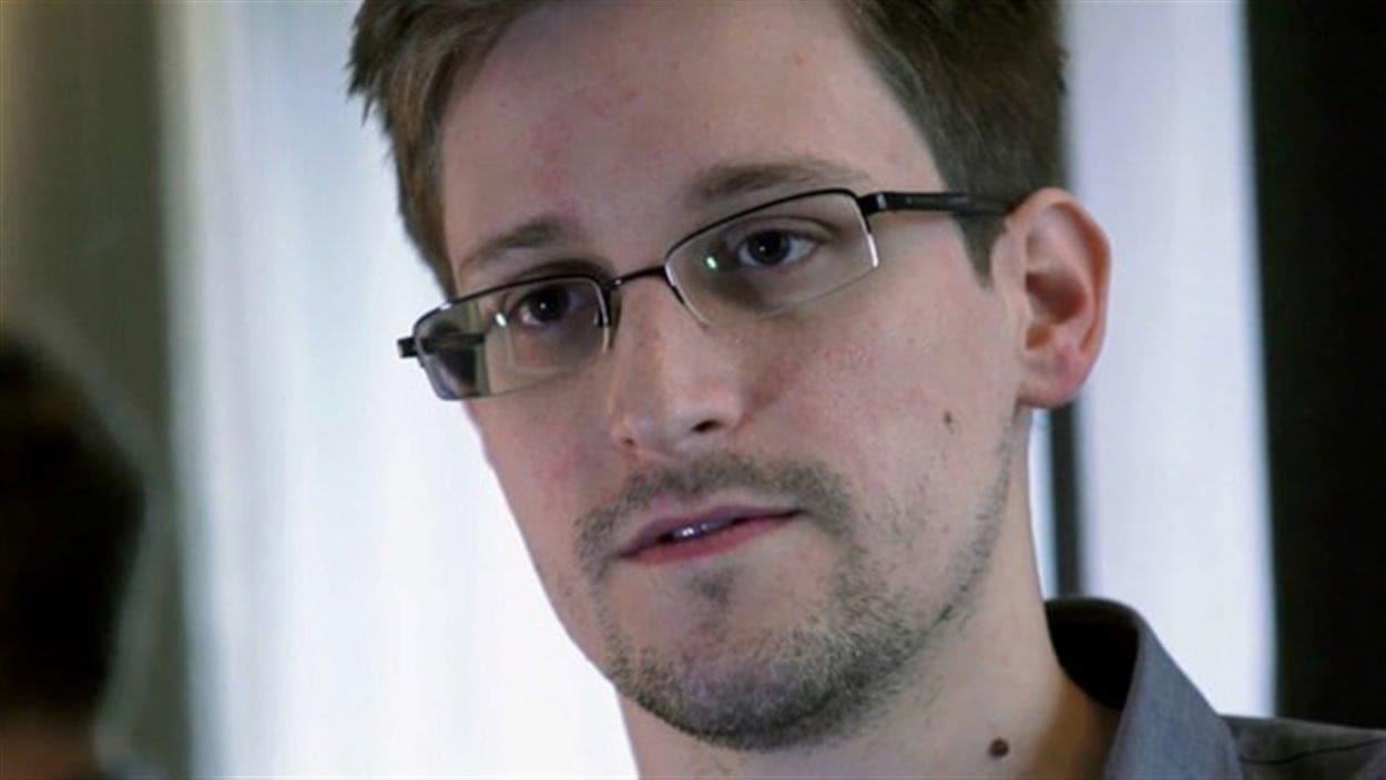 Edward Snowden en entrevue.