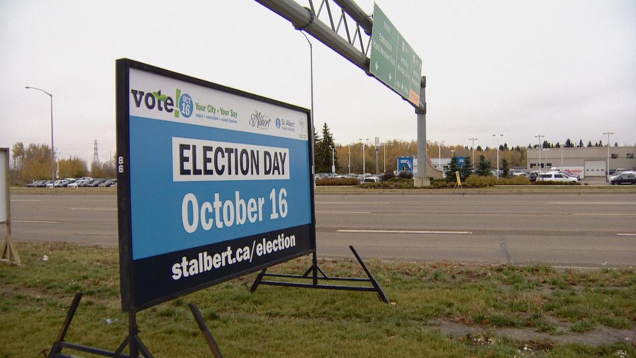 Un affiche indiquant la date de l'élection à Saint-Albert (16 octobre)