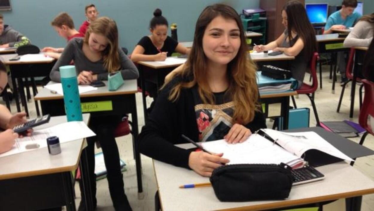 Des élèves en classe.