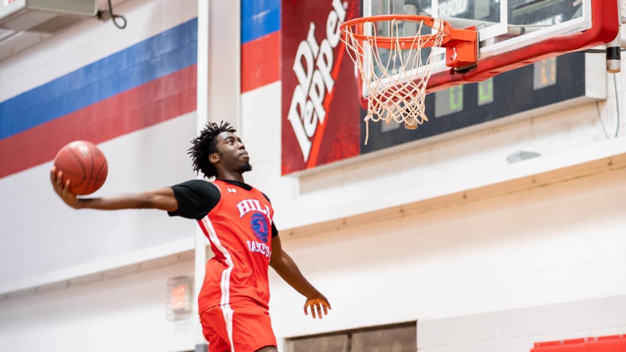 Emmanuel Bandoumel porte en ce moment les couleurs de Hill College, au Texas.
