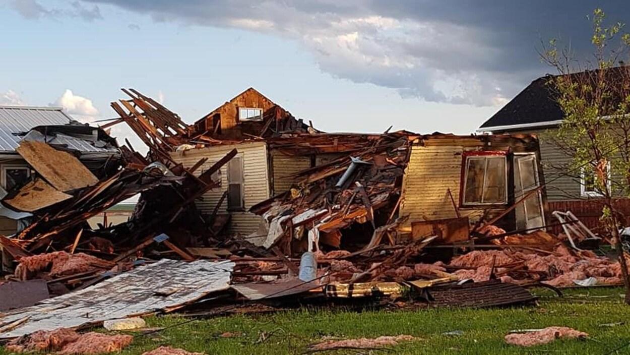 Une maison détruite par la tempête.