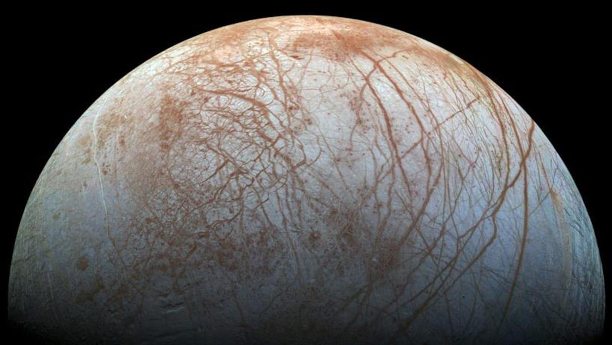 La surface de la lune Europe de Jupiter.