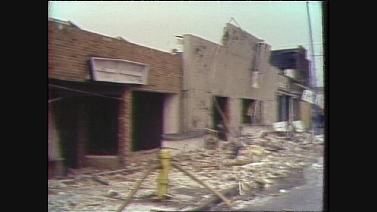 Les décombres des édifices après l'explosion.