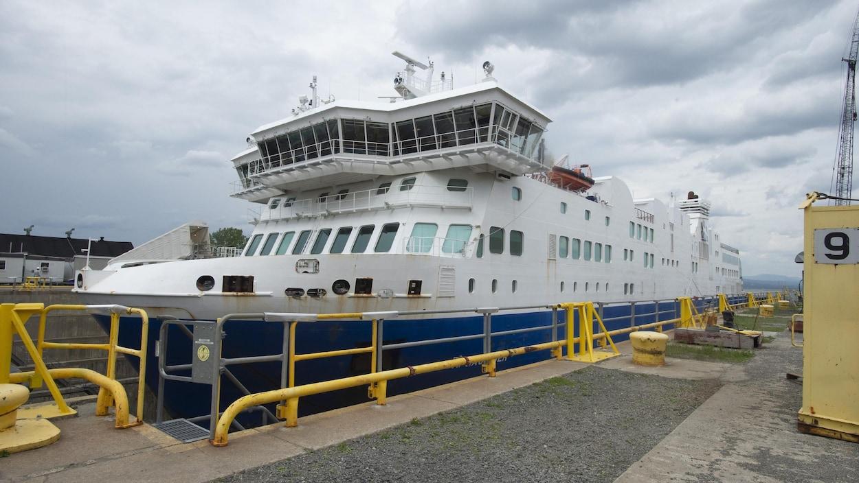 Le F.-A.-Gauthier en juillet 2019 au chantier maritime Davie, à Lévis.